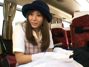 巨乳バスガイドが具合の悪くなった生徒を白手袋で手コキとフェラで看病してます。