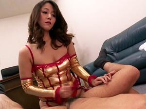 加藤なお 女社長がM男社員のアナルにペニバンを突き立て前立腺でイカせながらチンポをシゴく!