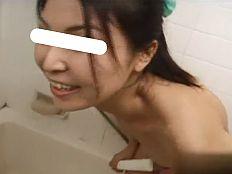 【無】美人三十路妻が額にじっとり汗を浮かべながら他人棒に悶える!||