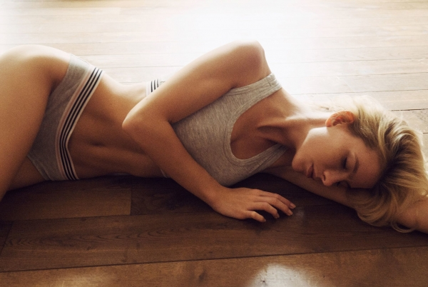 Angela-Olszewska-Nude-Sexy (8)